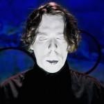 不穏かつ奇怪なポップさ!ブルックリンのソロアーティスト O MERが'Blind'のMVを公開