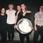 弦楽器の歪みが120点!UKインディーロックバンド Broken Handsが新曲'Death Grip'を公開