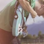 オーストリアのシューゲイズ・ドリームポップデュオ MOLLYがデビュー曲'Sun Sun Sun'のMVを公開