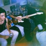 夏休みのマイメン!カナダのサーフロックバンド The Cut Lossesが'Spending Time on my Own'のMVを公開