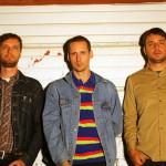 92秒のリフレッシュ!カナダの衝動的パンクロックバンド Soupcansが 'DOB'のMVを公開