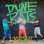 ルーズなオージー・ガレージロックバンド Dune Rats、久しぶりの新曲 'Bullshit'を公開