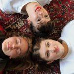 UKガールズバンド Girl Ray、Moshi Moshiからリリースのデビューシングル 'Trouble'を公開