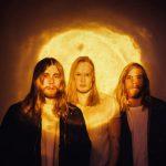 フィンランドのオルタナポップバンド Lake Jonsが新曲 'Positive'を公開