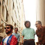 メキシカンロックバンド Los Romanticos de Zacatecas、'Bien / Escapar de Casa'のMVを公開