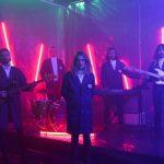 派手なオルタナロックバンド The Belligerents、9月発売のデビューALから 'Flash'のMVを公開