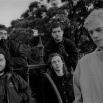 シリアスなドリームポップバンド Death Bells、デビューAL『Standing At The Edge Of The World』をリリース