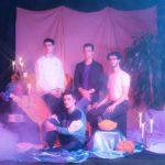 カナダのひとクセ・ポップバンド Look Vibrant、デビューAL『The Up Here Place』を3月にリリース