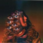 ロンドンのシンガー Sharky、思いがけないリズムへ変化する新曲 'Cause And Effect'を公開