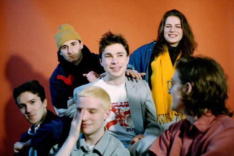 ロンドンのロックバンド sports team 新曲 kutcher を公開 niche music