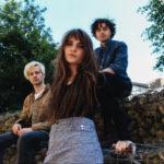 ロンドンのインディーロックバンド Calva Louise、'I Heard A Cry'を公開
