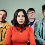 ロンドンのインディーロックバンド Lazy Day、'Mumma'を公開